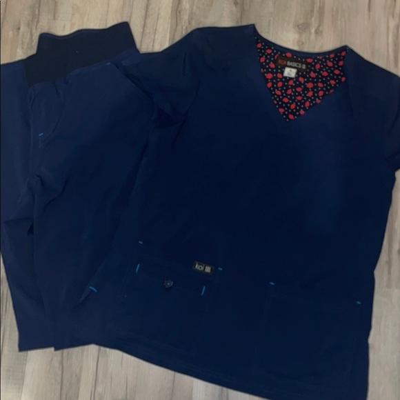 Koi basic scrub pants and top